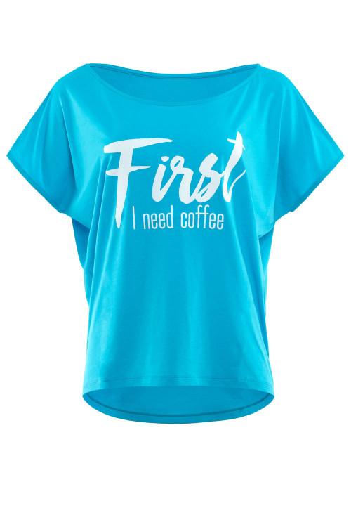 """Ultra leichtes Modal-Kurzarmshirt MCT002 mit weißem Glitzer-Aufdruck """"First I need coffee"""", sky blue"""
